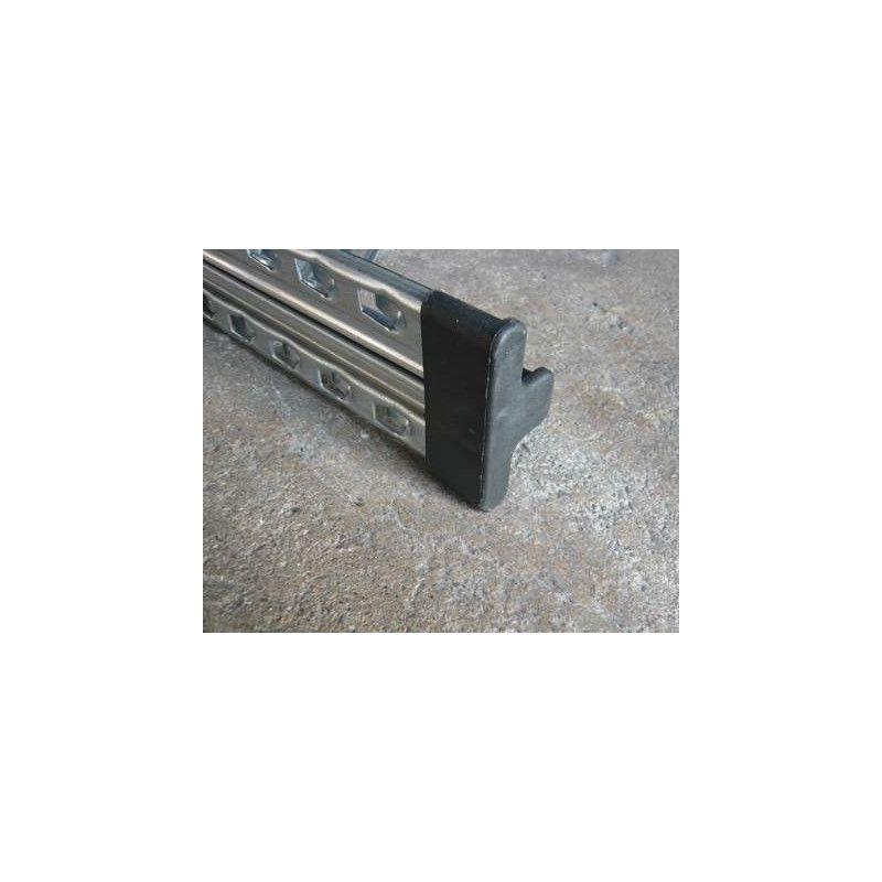 Embout PVC pour rayonnage galvanisé