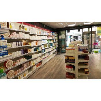 Gondole murale pour un agencement de pharmacie
